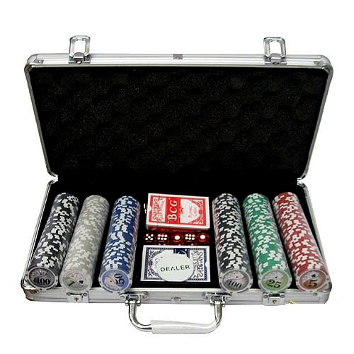 Покер 300 фишек в металлическом кейсе